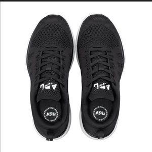 lululemon athletica Shoes - LULULEMON APL 🔴 Techloom pro sneakers
